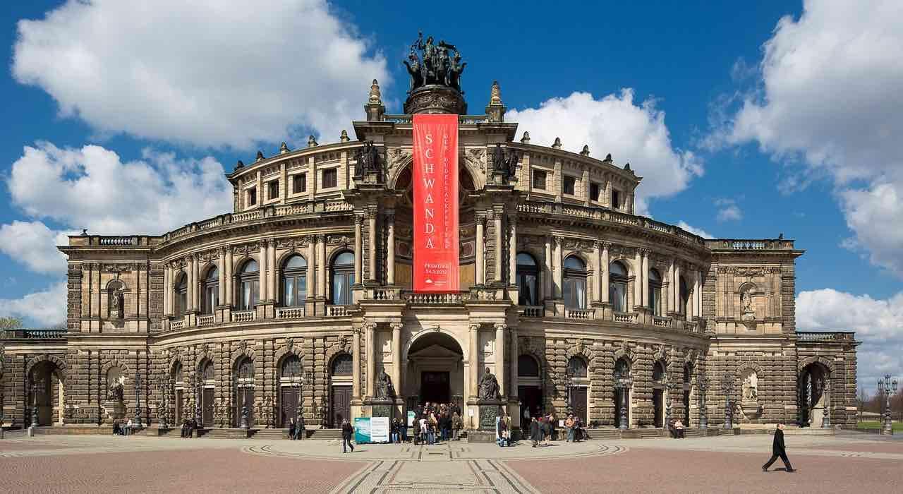 Ü50 Partys in Dresden - Tanzveranstaltungen für Generation 50Plus in und um Dresden