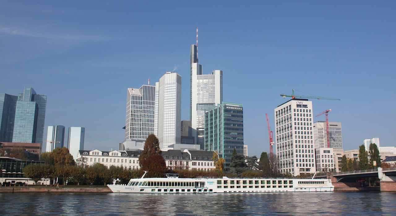 Ü50 Partys in Frankfurt - Tanzveranstaltungen für Generation 50Plus in und um Frankfurt