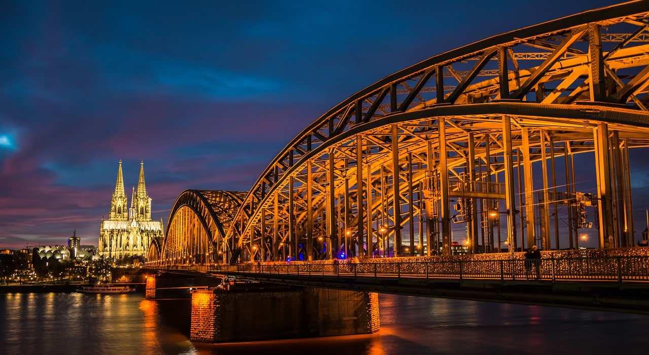 Ü50 Partys in Köln - Tanzveranstaltungen für Generation 50Plus in und um Köln
