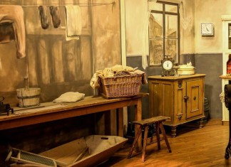 Eigene alte Möbel in Seniorenheim und Pflegeheim mitnehmen
