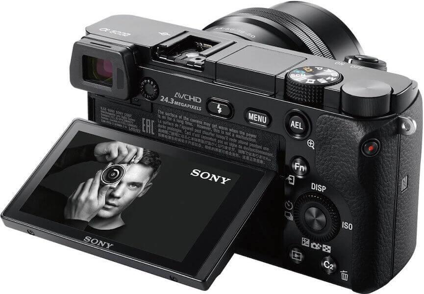 Seniorengerechte Digitalkamera - Sony Alpha 6000 Systemkamera - Display - Rückseite - Systemkamera für Senioren