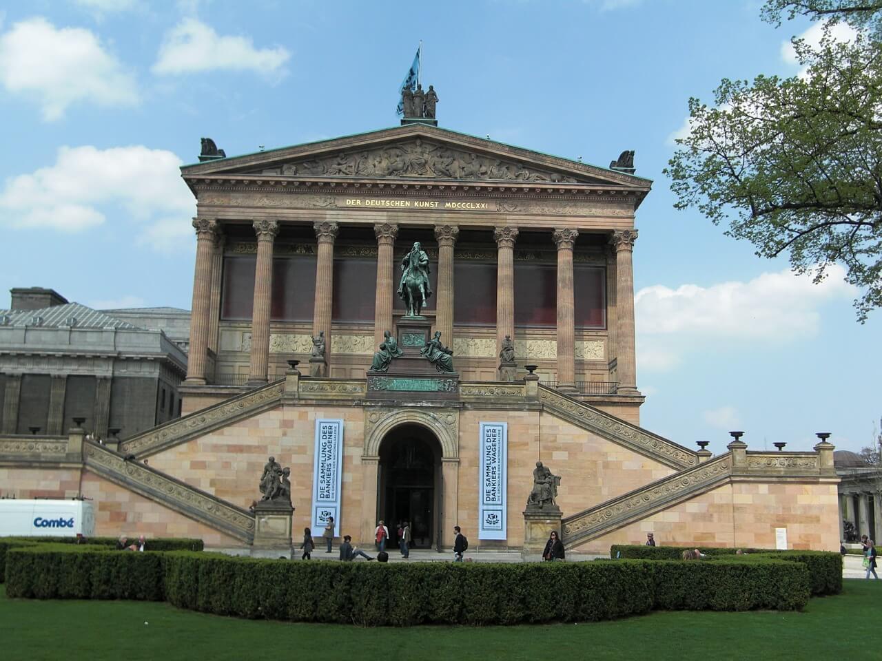 Ausflug nach Berlin für Rentner Senioren und Penionäre - Sehenswürdigkeiten - Alte Nationalgalerie