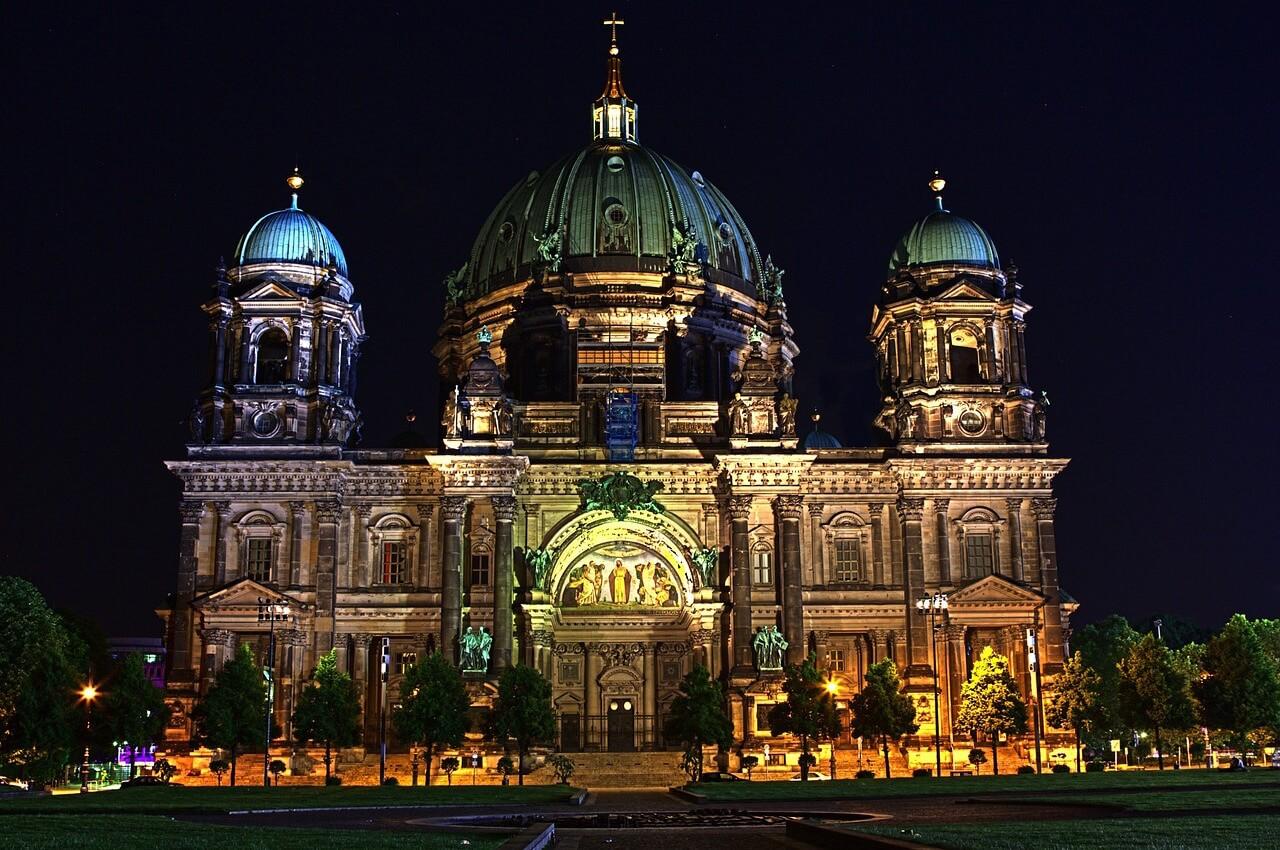Ausflug nach Berlin für Rentner Senioren und Penionäre - Sehenswürdigkeiten - Berliner Dom