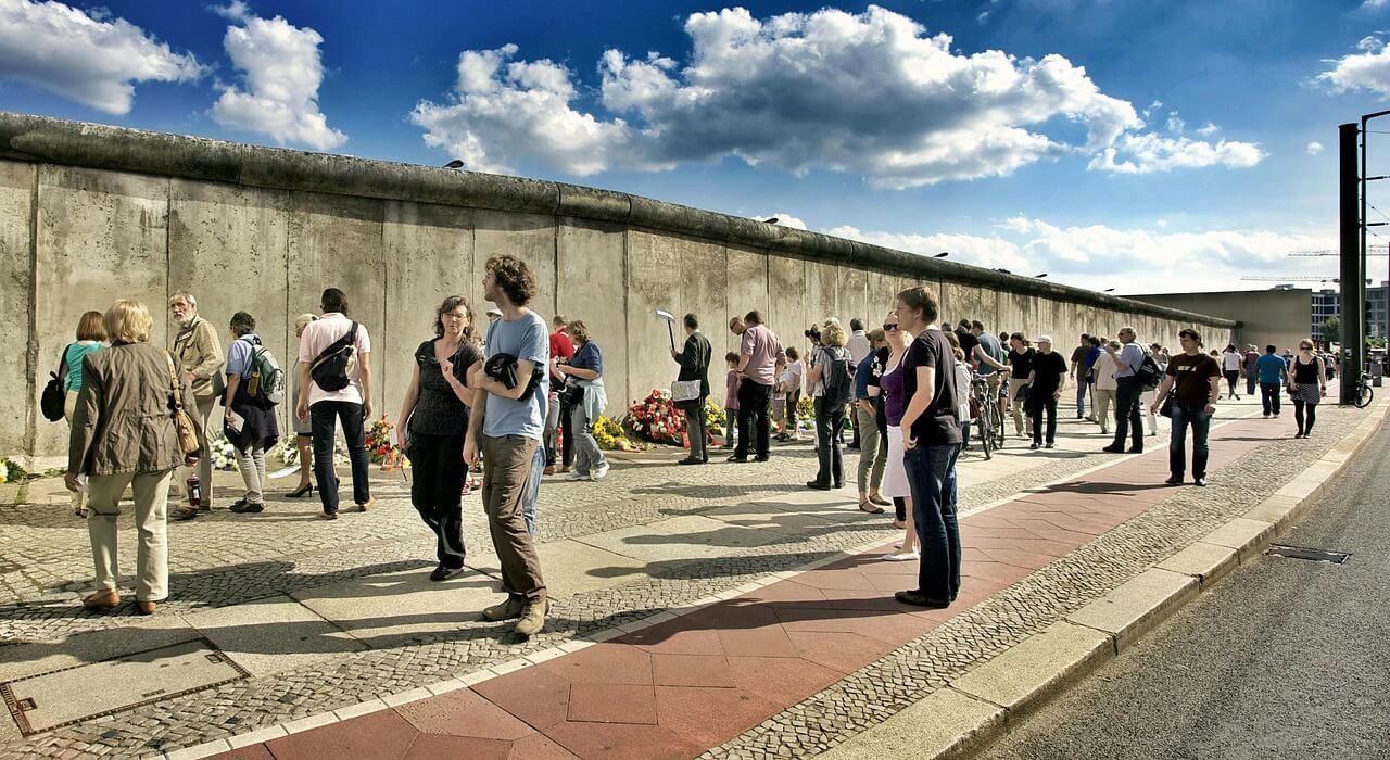 Ausflug nach Berlin für Rentner Senioren und Penionäre - Sehenswürdigkeiten - Berliner Mauer