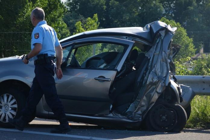 Auto Demenz - Auto fahren als Demenz-Kranker - Risiko - Gefahr - Fahrerlaubnis - Fuehrerschein
