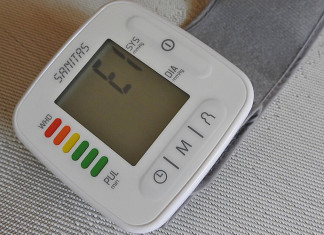 Blutdruckmessgeräte für ältere Menschen Rentner und Senioren - Blutdruck messen