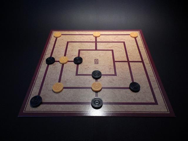 Brettspiel Mühle - die beliebtesten Gesellschaftsspiele für Senioren