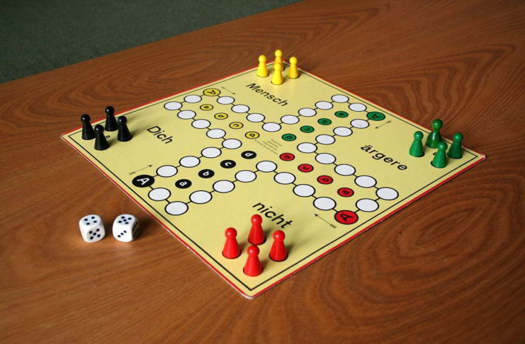 Die beliebtesten Gesellschaftsspiele (Kartenspiele, Brettspiele) für ältere Menschen, Senioren und Rentner