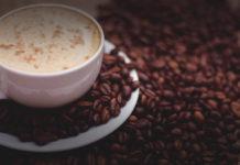 Kaffeesatz als Dünger - Kaffeedünger - Mit gemahlenen Kaffeebohnen Pflanzen und Blumen düngen