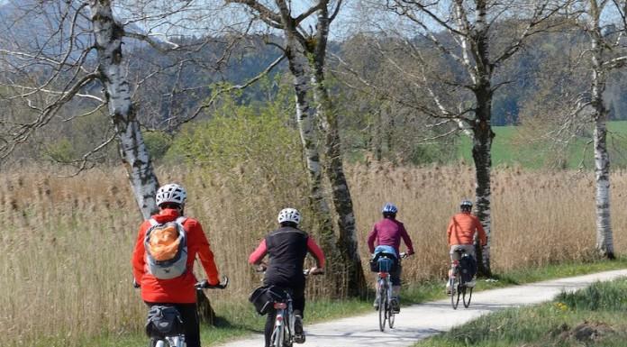 Senioren Leben - Fahrradtour Fahrrad fahren im Herbst