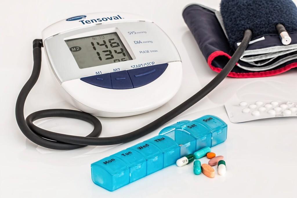 Senioren und Rentner - Bluthochdruck - Blutdruck - Senken - Ratgeber