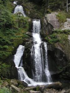 Senioren und Rentner Reisen Ausflug Urlaub Triberg Wasserfall