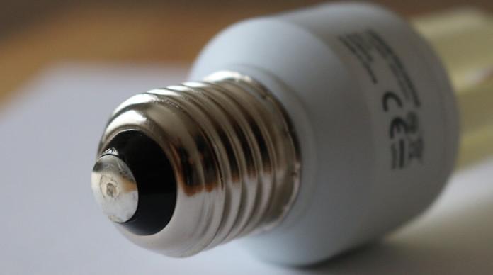 Stromkosten senken mit Energiesparlampen - Vergleich Stromkosten und Stromverbrauch von Glühbirnen und Energiesparlampen