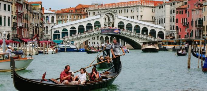 Venedig – Italien – Rialto Brücke –  – Europas schönste Städte