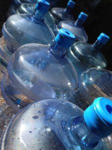 Viel Trinken hilft gegen Dehydrierung - Trinktagebuch hilft - Hitze im Sommer für Senioren