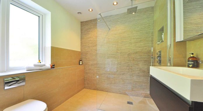 barrierefreie Dusche - Barrierefreies duschen für Senioren und Rentner